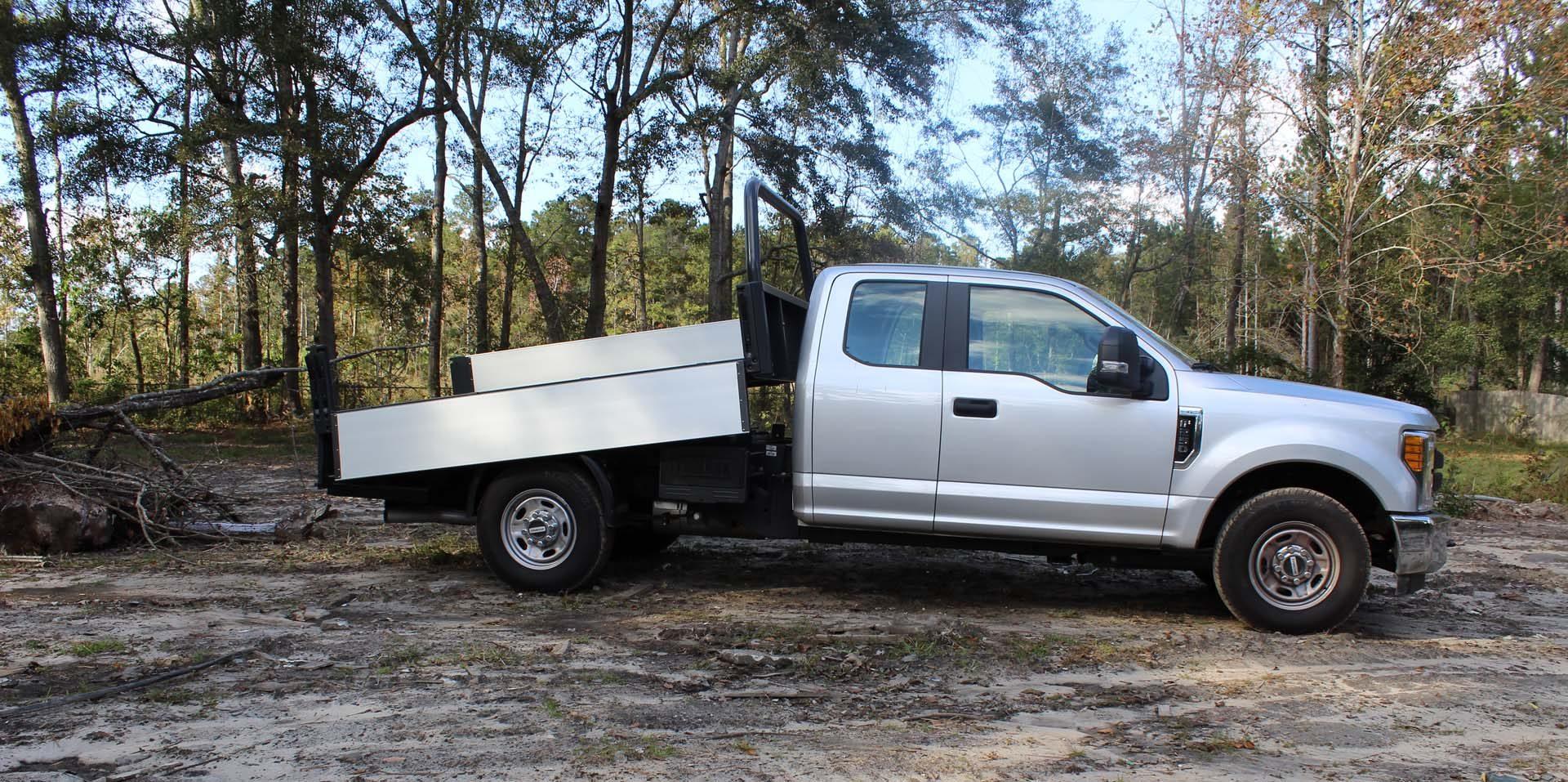 Medium Duty Flatbed And Tipper Trucks